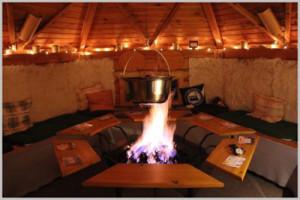 Feuer Hütte mit Herz